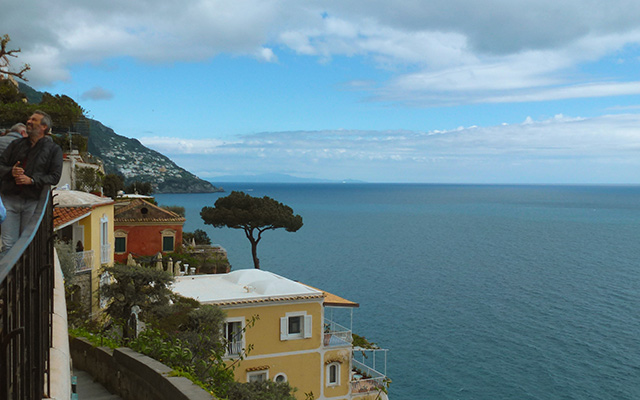 road trip moto italie cote amalfitaine paysage mer