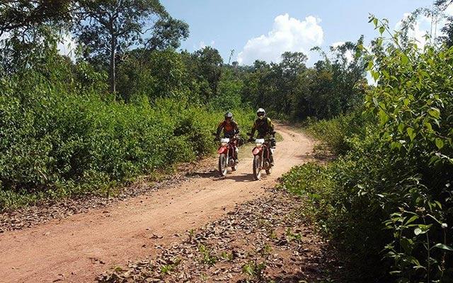 Planet Ride laos en moto ride sur piste