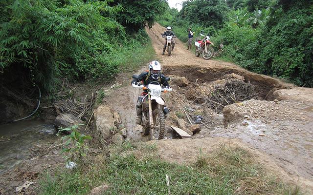 Laos en moto piste