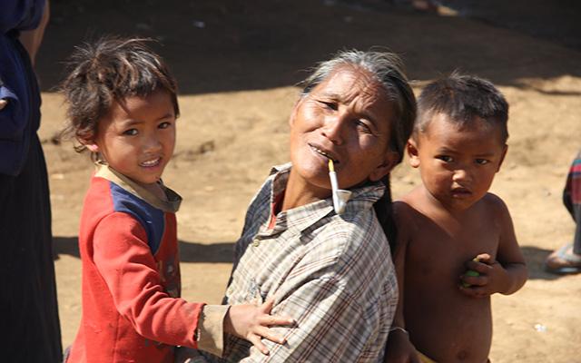 Village habitants safari Laos