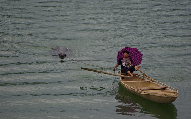 voyage moto Vietnam embarcation