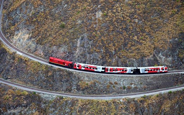 Petit train lors de votre voyage moto Equateur
