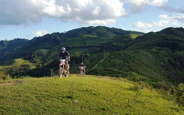 Planet Ride Circuit Laos montagnes verdoyantes