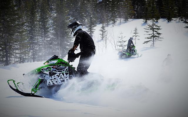 Raid motoneige Canada professionnel