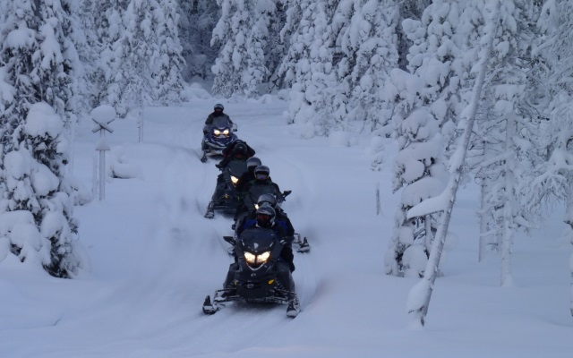 raid motoneige Finlande