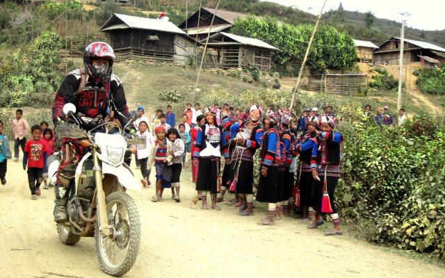 laos motorcycle tour